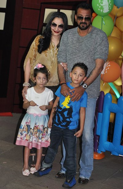 sanjay dutt with Childrens and ,MANYATA at birthday party.jpg