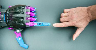 【做福人群】e-NABLE社群免費3D打印義肢,為殘障兒童重拾快樂