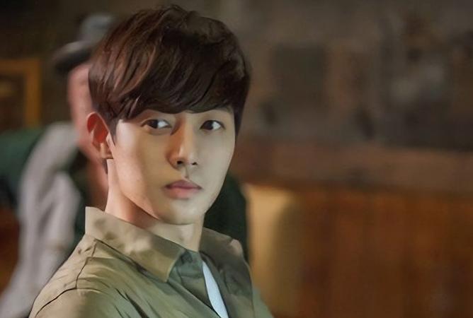 so-scandalous-02-kim-hyun-joong