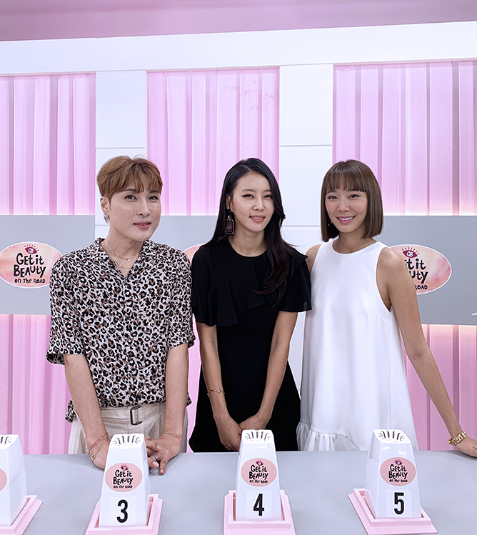 (from left) Kim Ki-soo, Kim Jung-min and Julie Tan on set of Get It Beauty On The Road in Singapore S2_2