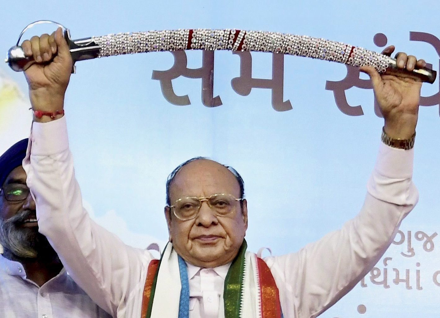 Shankarsinh Vaghela at a public meeting