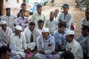farmers_in_Karajgaon_PARI