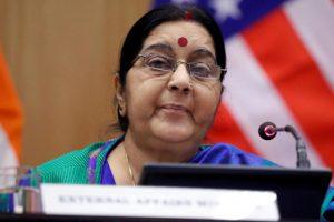 سشما سوراج۔ (فوٹو : رائٹرس)