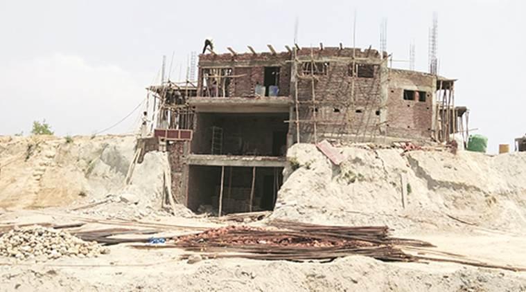 نرمل سنگھ کا زیرتعمیر مکان (فوٹوبشکریہ : انڈین ایکسپریس)