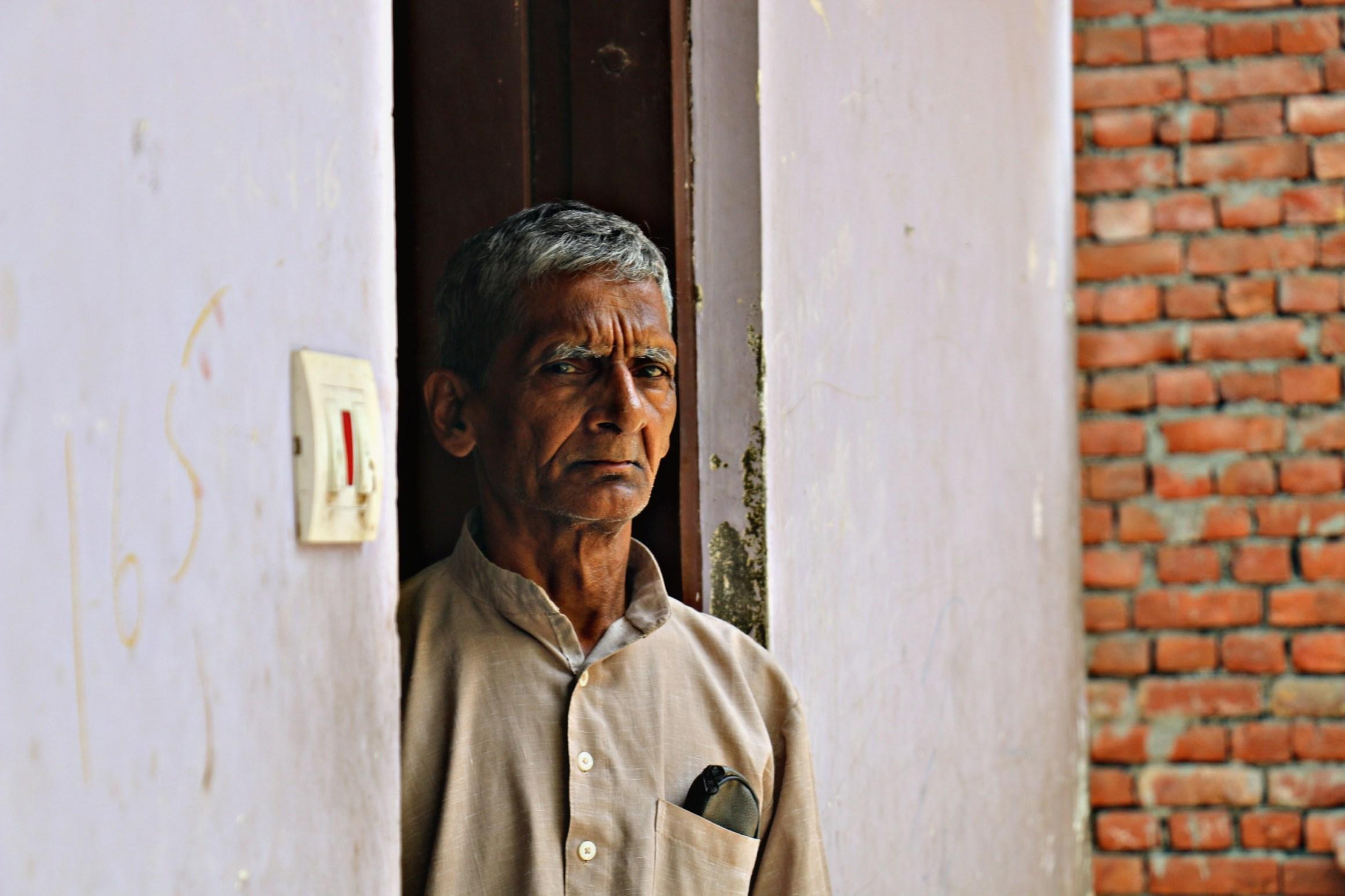 سچن کے والد دھرم ویر سنگھ (فوٹو : پرشانت کنوجیا / دی وائر)