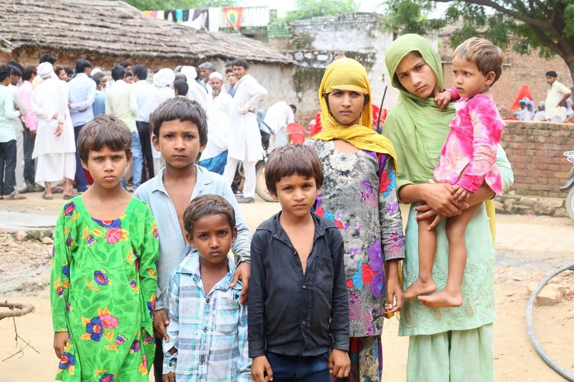 اکبر کے بچے/ فوٹو: دی وائر