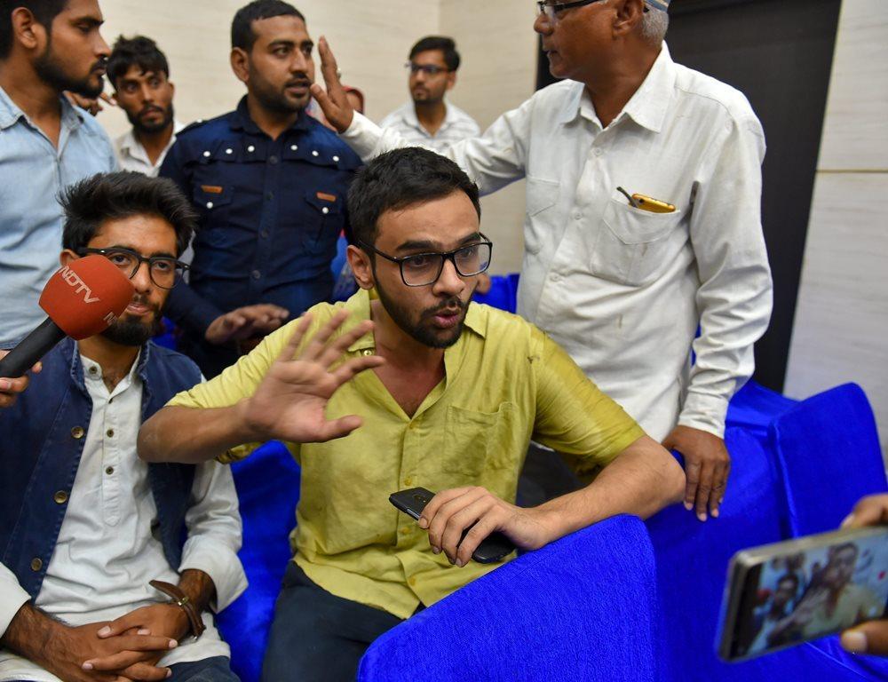 جے این یو کے اسٹوڈنٹ لیڈر عمر خالد۔ (فوٹو : پی ٹی آئی)
