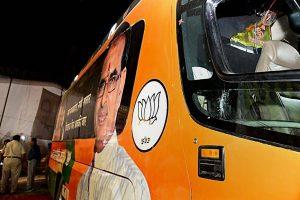 سیدھی میں وزیراعلیٰ شیوراج سنگھ چوہان کی جن آدرش واد یاترا کے دوران کی گئی توڑپھوڑ (فوٹو :پی ٹی آئی)