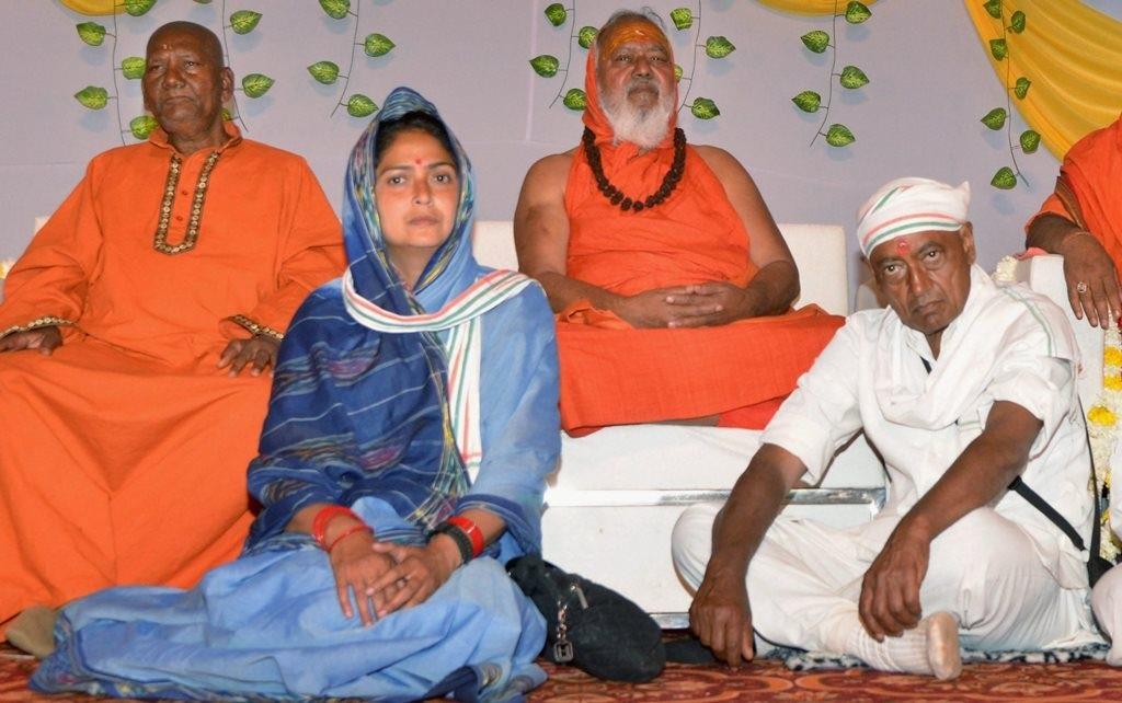 Digvijay-Singh-Amrita-Rai-PTI