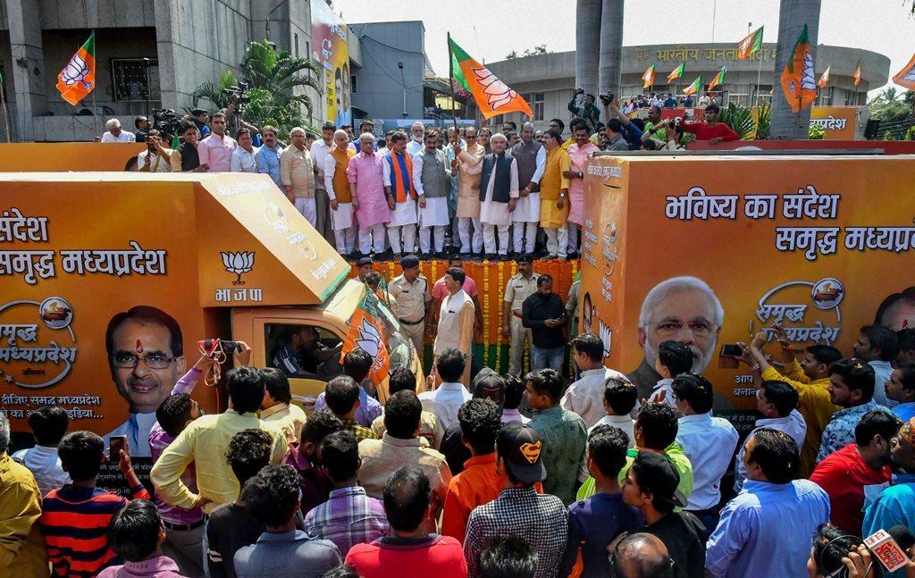 مدھیہ پردیش میں انتخابی تشہیر کے دوران وزیراعلی شیوراج سنگھ چوہان/ (فوٹو : پی ٹی آئی)