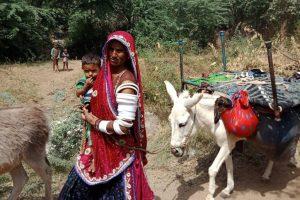 خانہ بدوش کمیونٹی کی ایک خاتون(فوٹو : مادھو شرما /دی وائر)