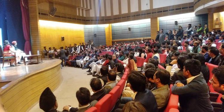 دی وائر ڈائیلاگس میں شامل لوگ(فوٹو : دی وائر)