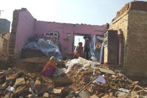 گریٹر نوئیڈا کے علی وردی پور گاؤں کا ایک مکان۔ (فوٹو :روہن کمار/دی وائر)