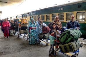 امرتسر میں اٹاری ریلوے اسٹیشن پر گزشتہ 25 فروری کو کھڑی سمجھوتہ ایکسپریس ٹرین/فوٹو: پی ٹی آئی