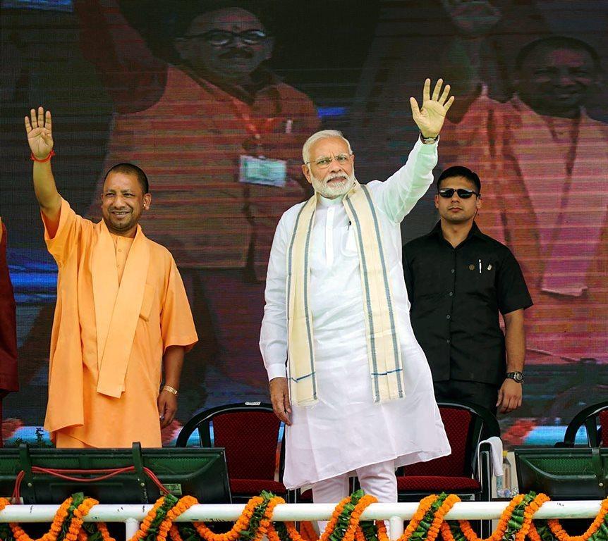 نریندر مودی اور یوگی آدتیہ ناتھ، فوٹو: پی ٹی آئی