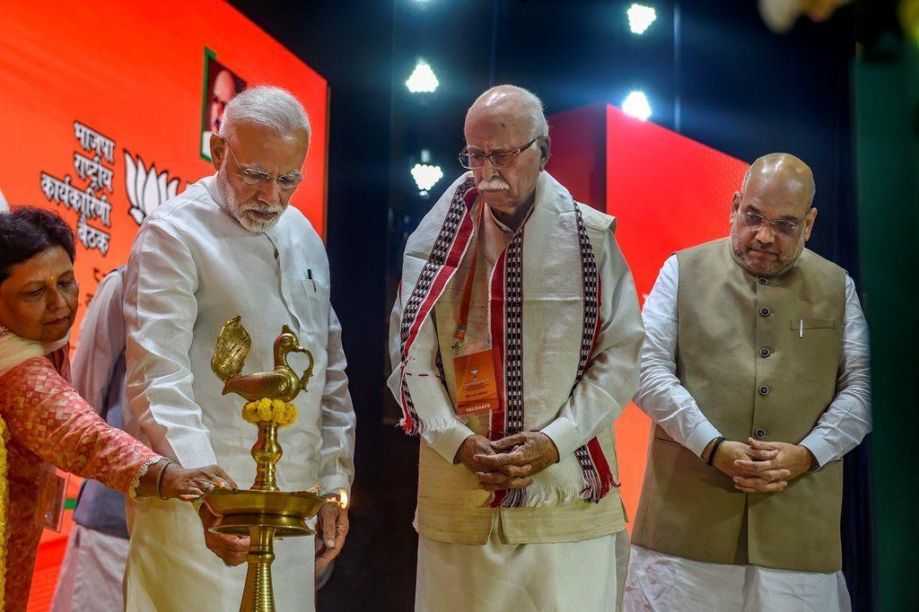 نریندر مودی، امت شاہ اور لال کرشن اڈوانی (فائل فوٹو : پی ٹی آئی)
