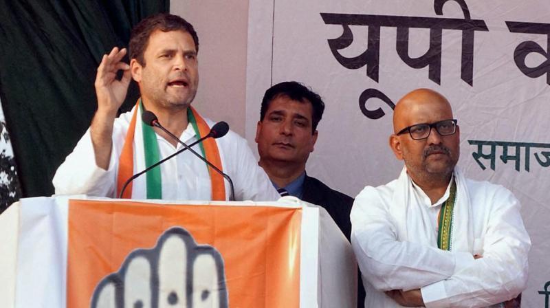 کانگریس صدر راہل گاندھی کے ساتھ اجئے رائے (فوٹو : پی ٹی آئی)