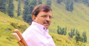 روزنامہ آفاق کے مدیر غلام جیلانی قادر،فوٹو: گریٹر کشمیر