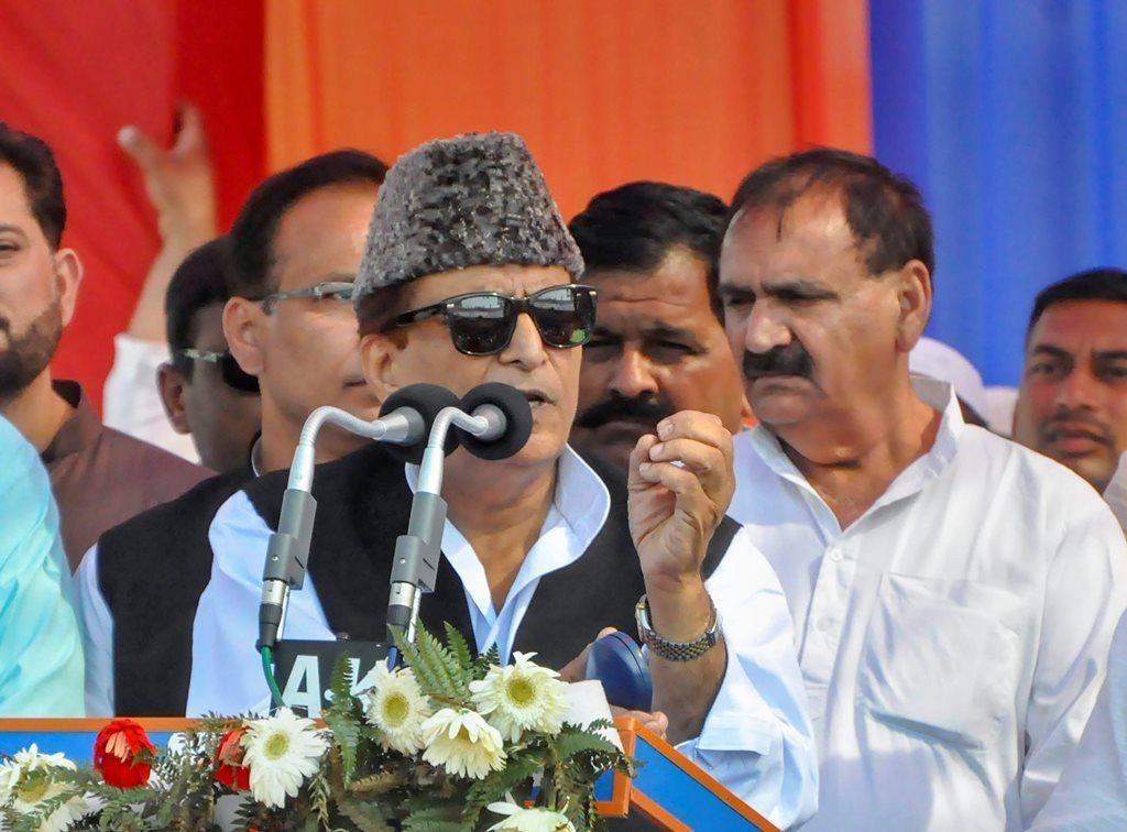 اعظم خان (فوٹو : پی ٹی آئی)