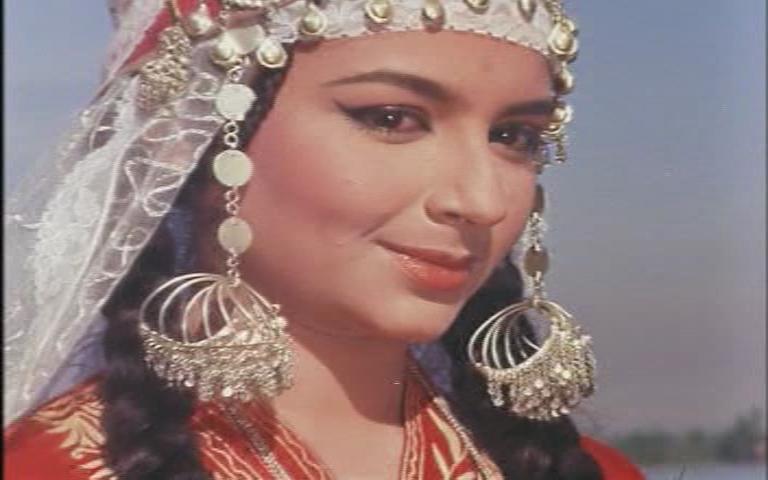 شرمیلا ٹیگور،فلم کشمیر کی کلی،فوٹو: اسکرین گریب