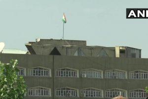 پہلے ریاست کے سکریٹریٹ پر ترنگاکے ساتھ ساتھ جموں و کشمیر کا جھنڈا بھی پھہرایا جاتا تھا(فوٹو بہ شکریہ: اے این آئی)