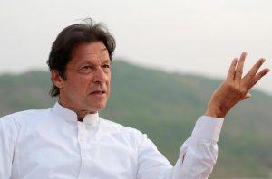 پاکستان کے وزیر اعظم عمران خان (فوٹو : رائٹرس )