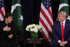 اقوام متحدہ کےجنرل اسمبلی سیشن سے پہلے پاکستان کے وزیر اعظم عمران خان کے ساتھ امریکی صدر ڈونالڈ ٹرمپ (فوٹو : رائٹرس)