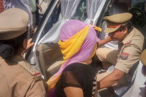 چنمیانند پر ریپ کا الزام لگانے والی طالبہ(فوٹو : پی ٹی آئی)