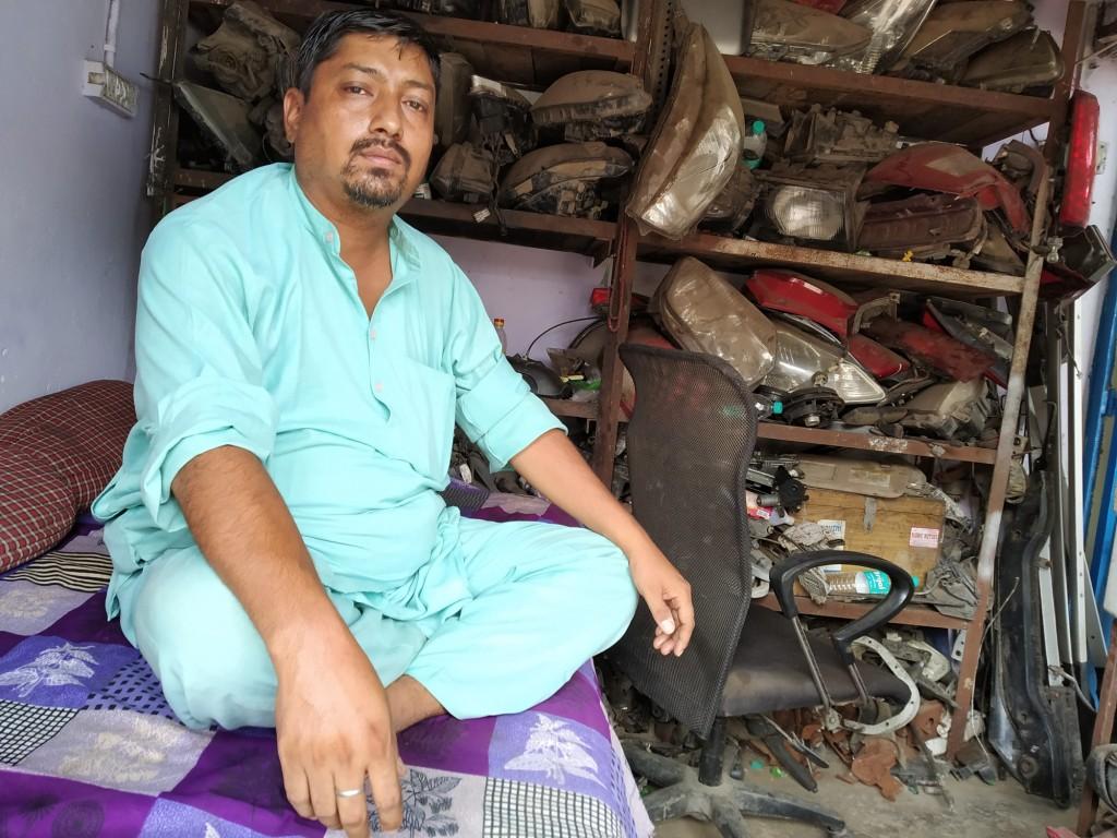 آٹو اسکریپ کاروباری مظہر احمد(فوٹو : ہیمنت کمار پانڈے)