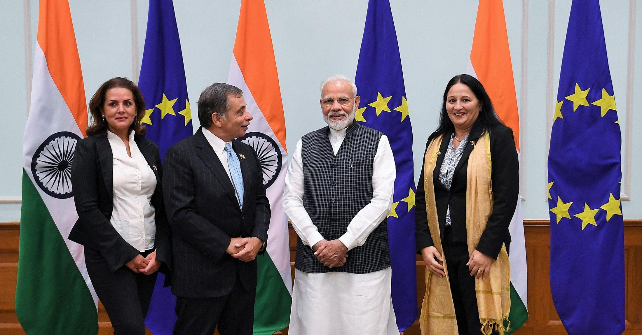 28 اکتوبر کو وزیر اعظم نریندر مودی کےساتھ یورپی رکن پارلیامان کی ملاقات کے وقت مادی شرمابھی موجودتھیں(فوٹو : پی ٹی آئی)