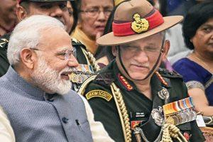 وزیر اعظم مودی کے ساتھ جنرل بپن راوت ، فوٹو: پی ٹی آئی