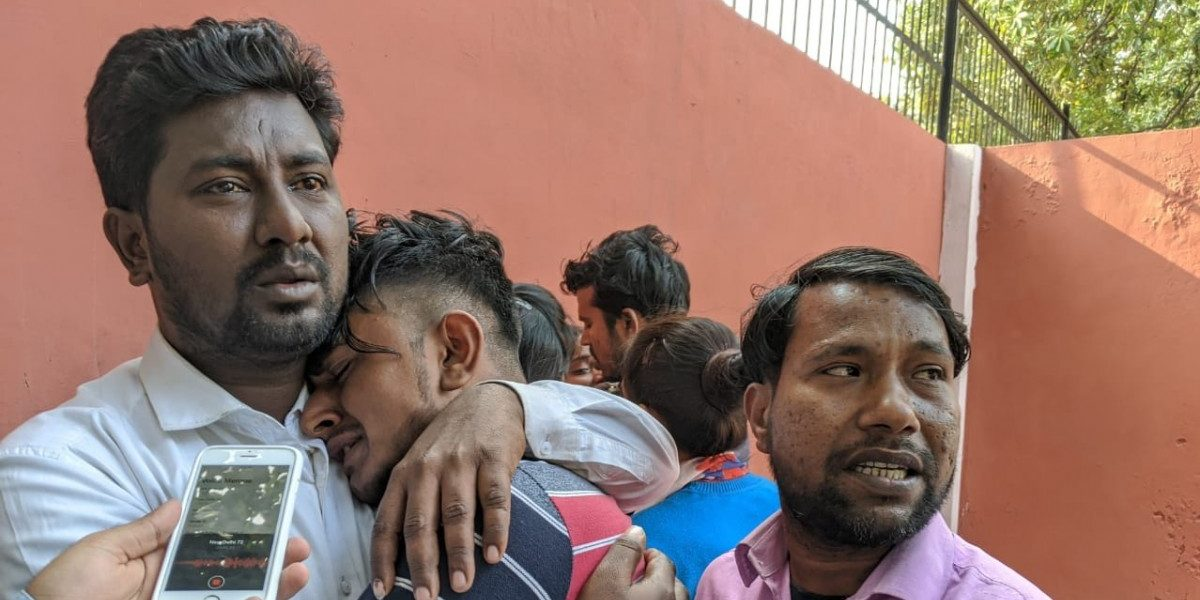 تشدد میں جان گنوانے والے راہل سولنکی کے دوست شہبازاوروکاس۔ (فوٹو : دی وائر)