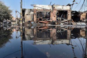 گوکل پوری علاقے میں شرپسندوں کے ذریعے جلائی گئی دکانیں(فوٹو : پی ٹی آئی)
