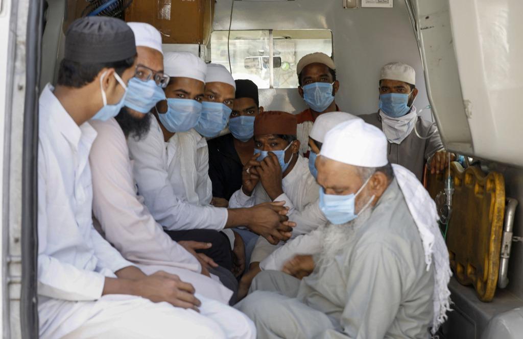 احمد آباد کے وہ لوگ، جو دہلی میں تبلیغی جماعت کے پروگرام میں شامل ہوئےتھے (فوٹو : پی ٹی آئی)