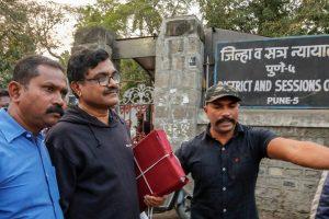 دلتوں کےحقوق کے کارکن اورقلمکار آنند تیلتمبڑے۔ (فوٹو: پی ٹی آئی)