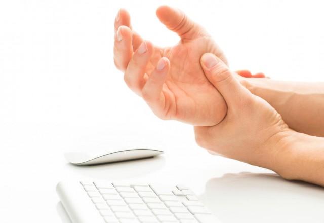 TCM pain management-wrist injury