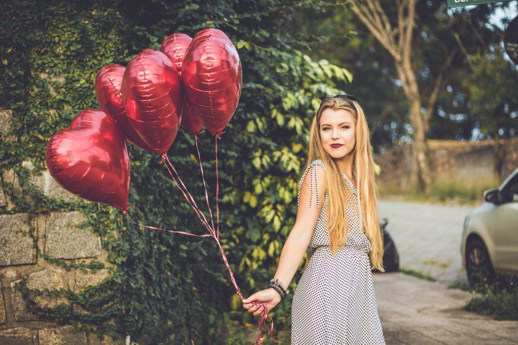 鋁膜氣球, 金屬氣球