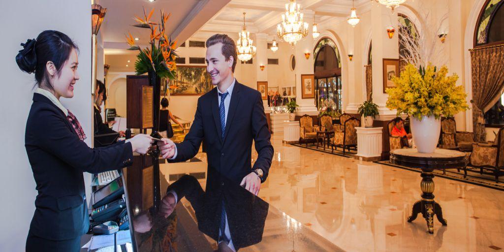 hotel-majestic-saigon-reception
