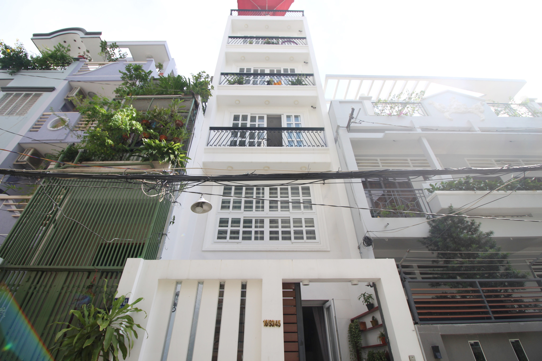 Sunny studio for rent with fully equipped kitchen · Vis Estate