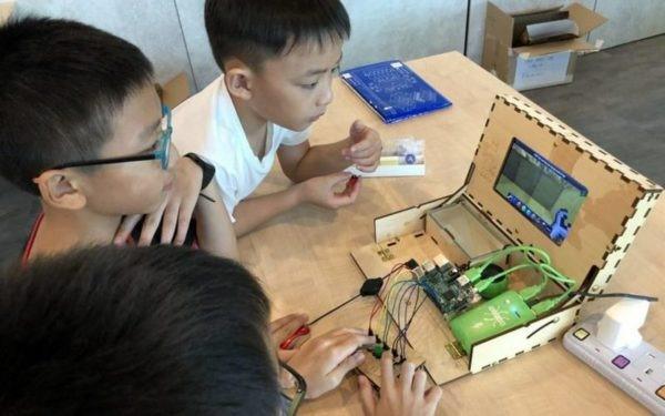 Students learning coding at Kodecoon