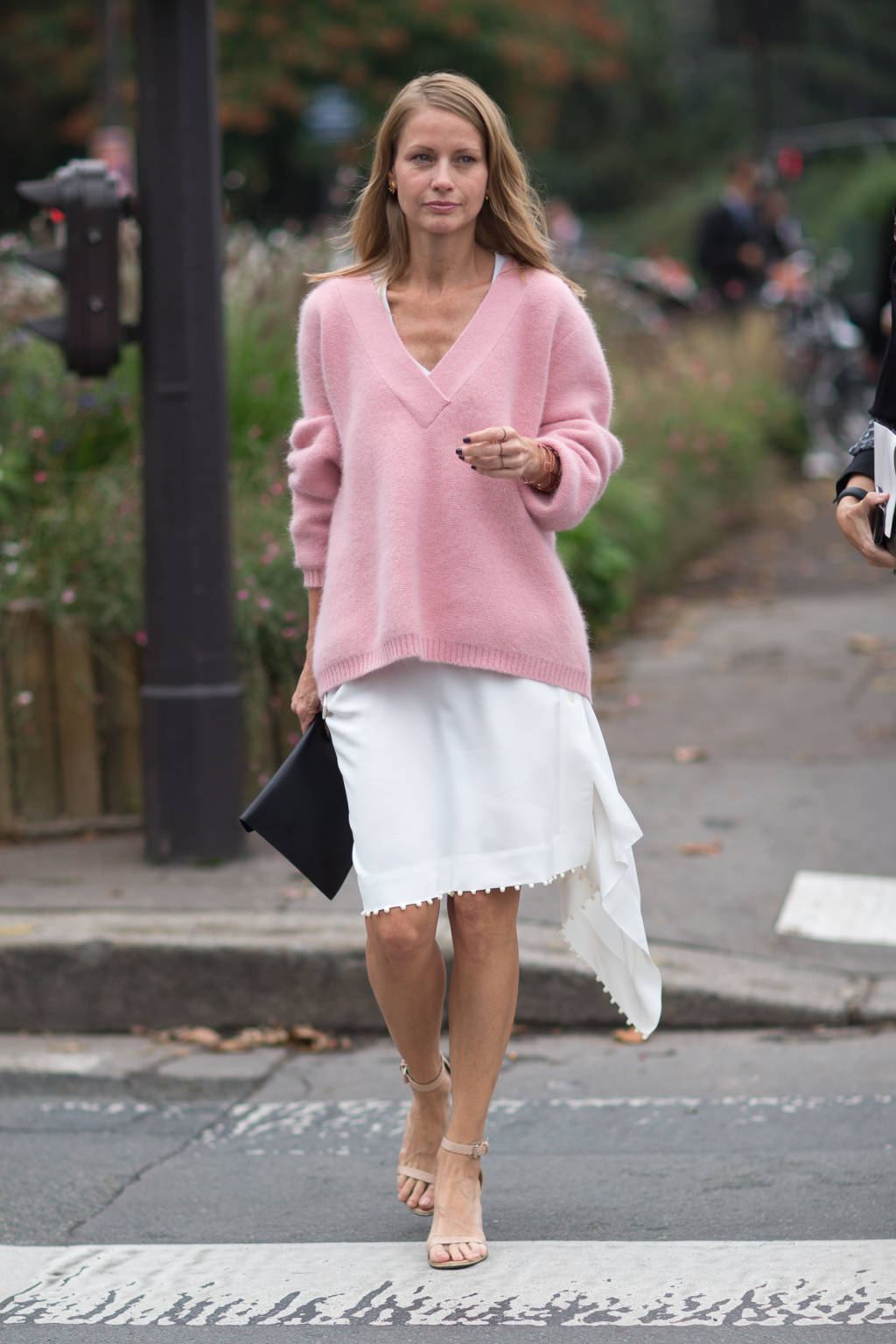 hbz-street-style-trend-pink-006-lg