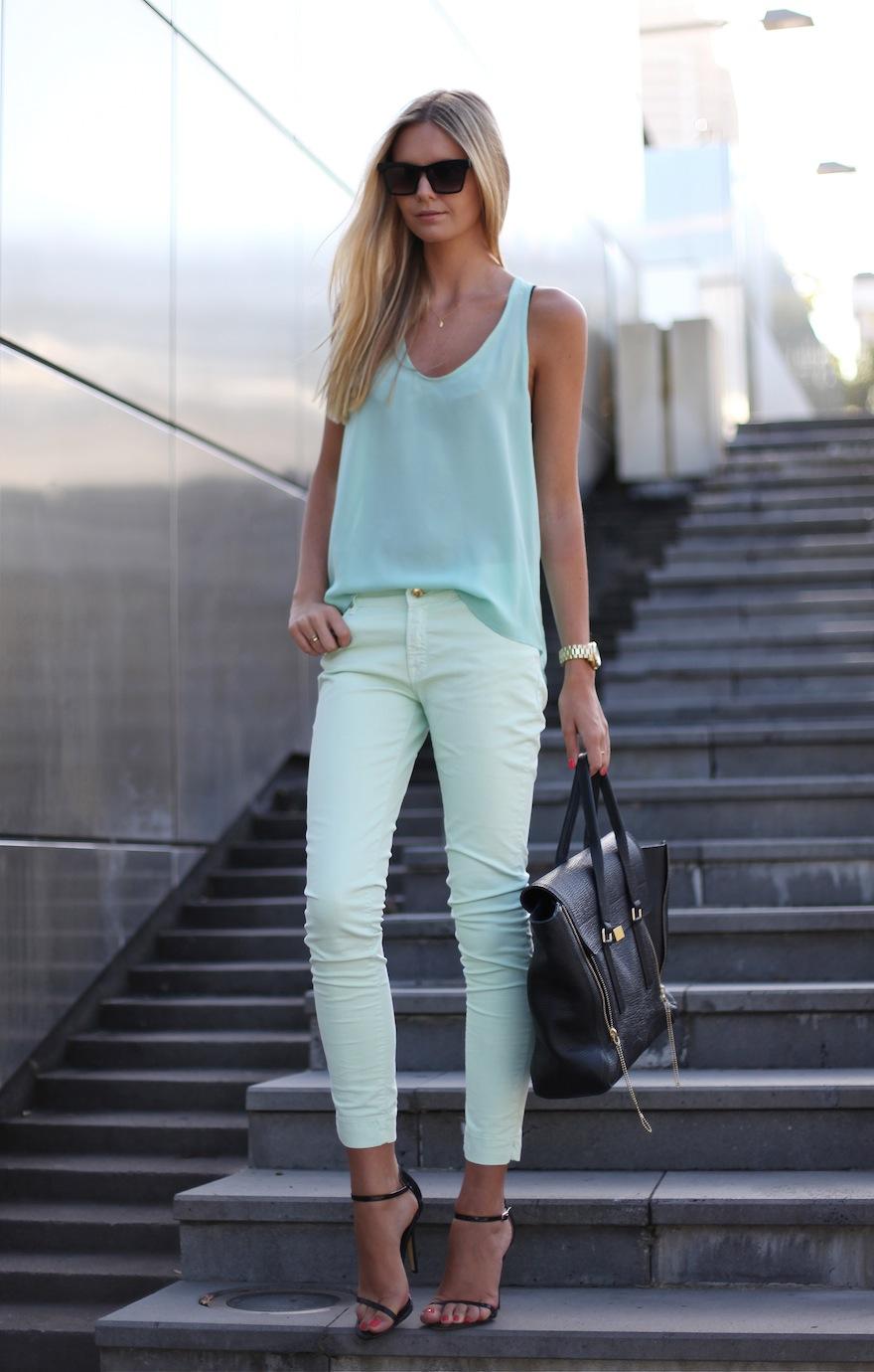 pastel-blue-sydney-street-style