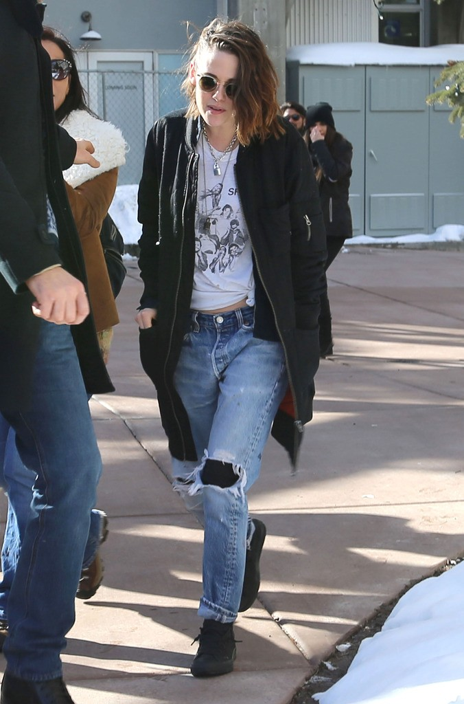 51955631 Celebrities out and about in Park City, Utah on January 25, 2016. The group is attending the 2016 Sundance Film Festival, which is running from January 21-31. Celebrities out and about in Park City, Utah on January 25, 2016. The group is attending the 2016 Sundance Film Festival, which is running from January 21-31. Pictured: Kristen Stewart FameFlynet, Inc - Beverly Hills, CA, USA - +1 (310) 505-9876