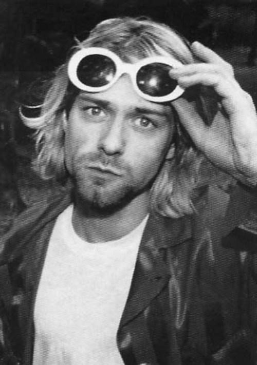 Kurt_Cobain-large-msg-118579426666