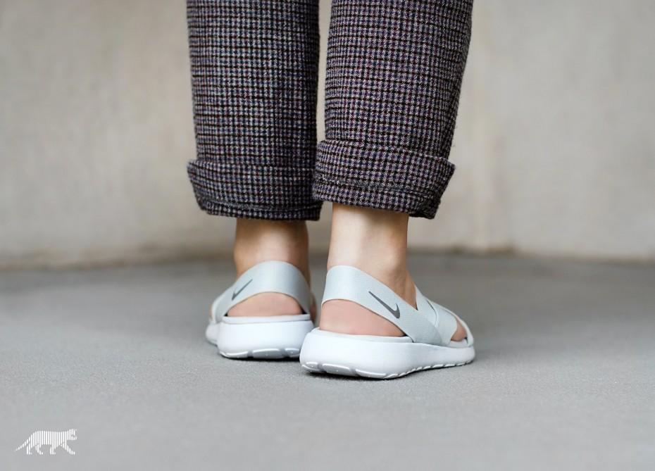 nike-wmns-roshe-one-sandal-pure-platinum-wolf-grey-white-1