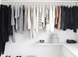 """Trick&Tips การจัด """"ตู้เสื้อผ้า"""" ให้หาง่ายหยิบใส่ได้รวดเร็ว (ความรู้ช้อปปิ้ง #36)"""