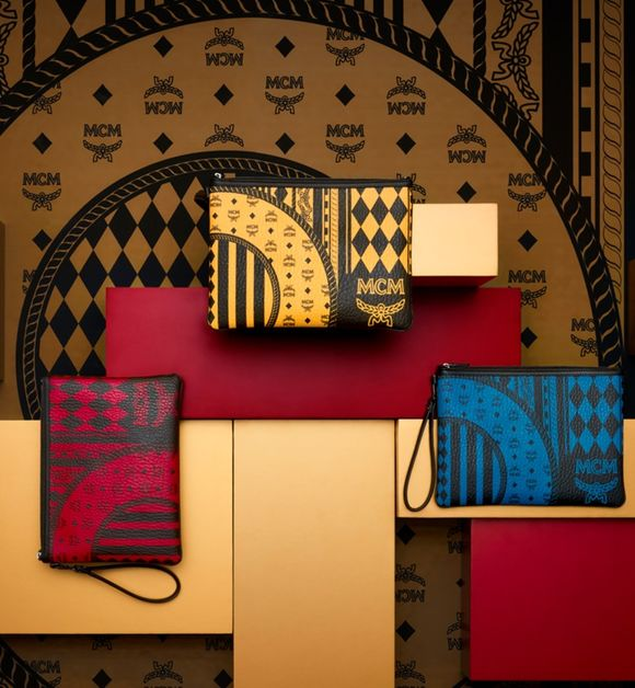Stark Baroque Print Pouch with Wristlet