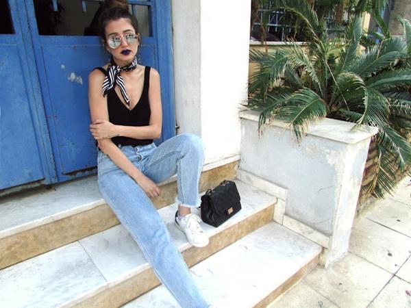 venetiakamara.com/2016/05/how-to-style-mom-jeans.html#.WEQwBbJ9600