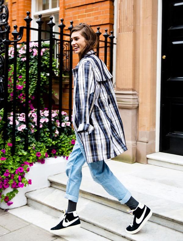 thefashiontag.com/2014/11/19/the-mom-jeans-trend/