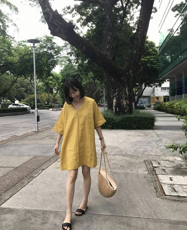 girl with flipflop_๑๗๐๕๒๒_0004